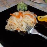 Рисовая лапша, обжаренная с овощами