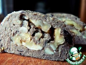 Рецепт Рулет из печени с черносливом и грецкими орехами
