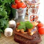 Малосольная маринованная сельдь в томатном соусе