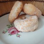 Пончики обыкновенные и универсальное дрожжевое тесто