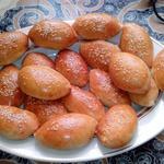 Пирожки с капустой и кунжутом