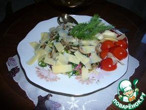 Рецепт Салат с жареными грибами и сыром пармезан