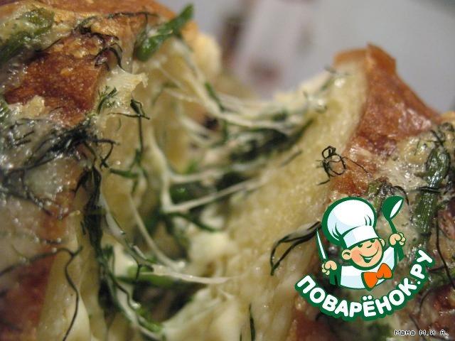 Хрустящий батон, запеченный с чесноком и сыром вкусный пошаговый рецепт с фото #10