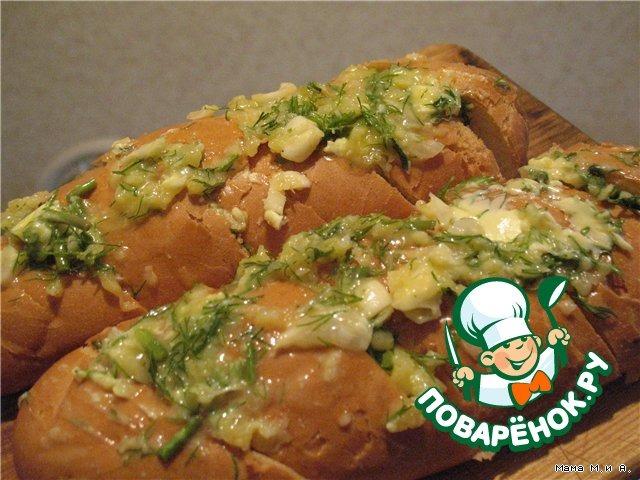 Хрустящий батон, запеченный с чесноком и сыром вкусный пошаговый рецепт с фото #6