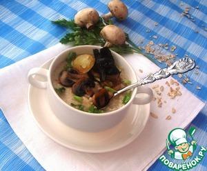 Рецепт Геркулесовая каша на грибном бульоне с гренками из шампиньонов, опят и лука