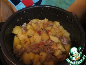 Рецепт Куриная печень с овощами и грибами тушеная в сметане