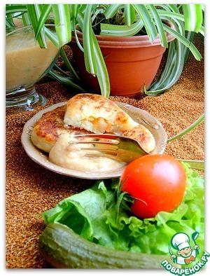 Рецепт Картофельные пирожки с морковью, луком и рисом под чечевичным соусом