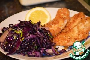 Рецепт Жаренный окунь с салатом из красной капусты с огурцами