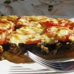 Деревенский пирог из картофельного теста с грибами и баклажанами