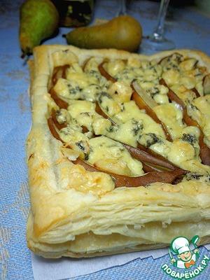 Рецепт Пирог с грушами и сыром Дор Блю