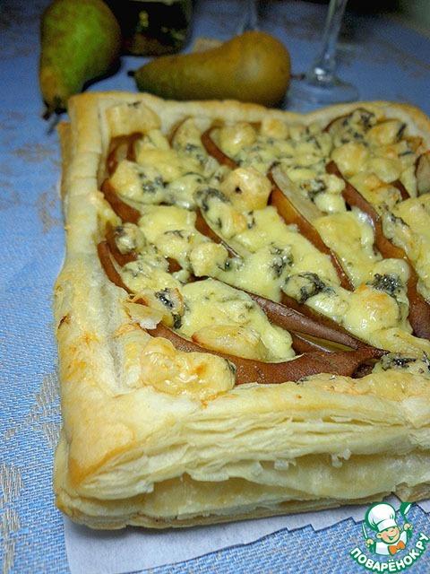 Рецепт пирога с грушами и сыром
