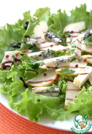Рецепт Салат с грушей и горгонзолой