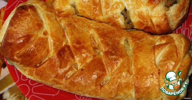 Пирог из слоеного теста с картошкой