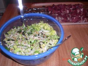 Рецепт Салат с китайской капустой и лапшой рамэн
