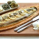 Сибас, запеченный в тесте из морской соли и розмарина