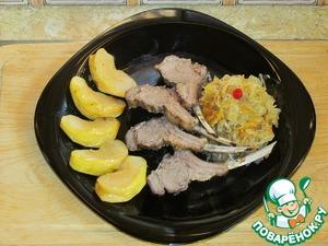 Рецепт Каре ягнёнка с тушёной квашеной капустой и яблоком