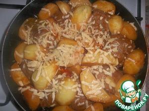 Рецепт Котлетки с картошкой в томатном соусе на сковороде