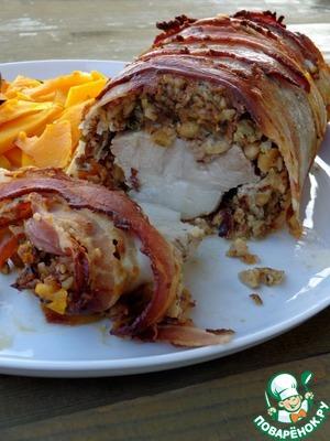 Рецепт Свинина в хрустящем беконе с орехами
