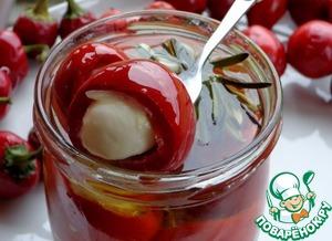 Рецепт Пикантные мини-перчики с крабово-сырной начинкой в масле