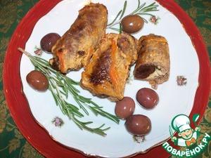 Рецепт Рулетики из говядины с черносливом, курицей и розмарином