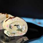 Крабовый рулет с сырно-горчичным соусом