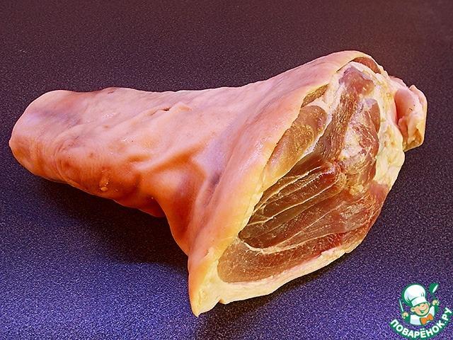 Рулька свиная, запеченная в духовке в фольге — рецепт с ...