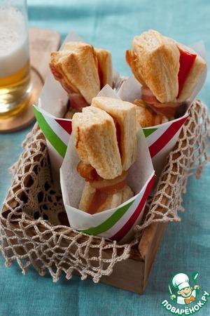 Рецепт Слойки-бантики с беконом и крабовыми палочками
