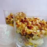 Слоеный мясной салат с солеными огурцами