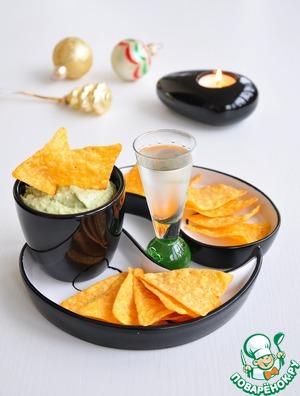 Рецепт Крем из авокадо с печенью трески и каперсами