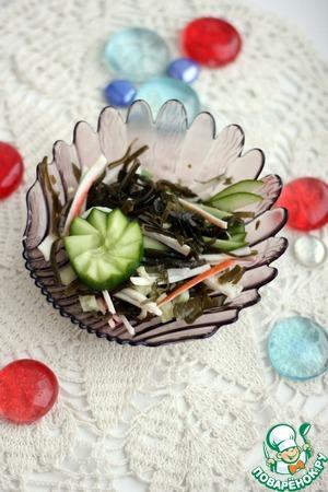 Рецепт Салат с морской капустой, крабовыми палочками и огурцом