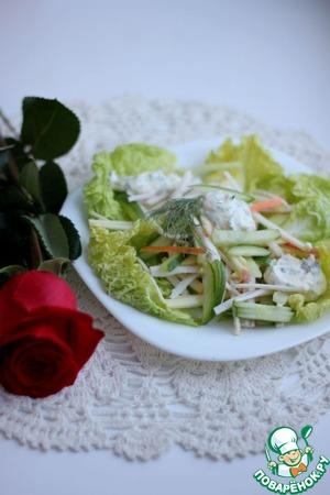 Рецепт Салат из крабовых палочек с яблоком