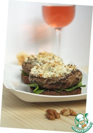 Рецепт Грибы с рикоттой и грецкими орехами на тосте