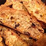 Печенье с орехами и изюмом Бискотти