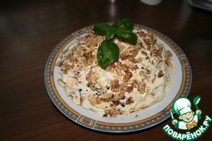 Рецепт Салат из курицы и чернослива с грецкими орехами и сыром
