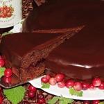 Шоколадный торт с клюквенной начинкой