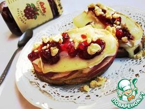 Рецепт Сыр бри, яблоко, брусника