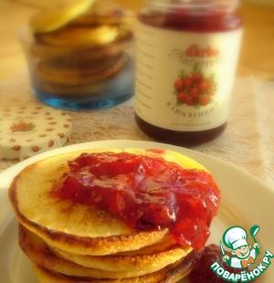 Рецепт Творожные панкейки с клюквой и клюквенным соусом
