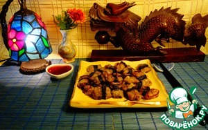 Рецепт Жареные во фритюре пельмени с клюквенным соусом