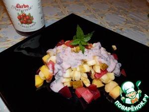 Рецепт Фруктовый салат с йогуртом и клюквенным соусом