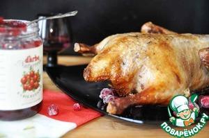 Рецепт Жареная утка под клюквенной глазурью с клюквенным соусом
