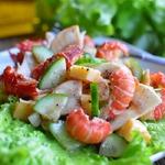 Салат с раковыми шейками и шампиньонами