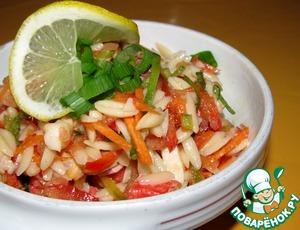 Рецепт Салат из морепродуктов с овощами и лапшой орзо