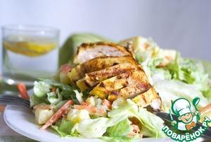 Рецепт Айсберг салат с курицей и ананасом в йогуртовой заправке