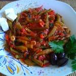 Бамия с овощами в томатном соусе