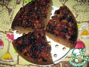 Рецепт Пирог с ягодой и орехами в мультиварке