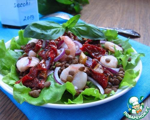 Салат с вялеными консервированными помидорами
