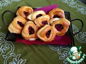 Рецепт Пирожки с алычой и изюмом