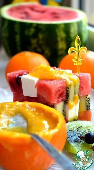Рецепт Фруктовый салат с малосольным сыром
