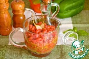 Рецепт Cоус из свежих помидоров, каперсов и базилика