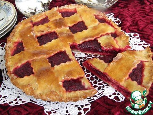 Свекольный пирог с клюквой – кулинарный рецепт